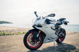 how to prepare and ride a sports bike on a long road tour